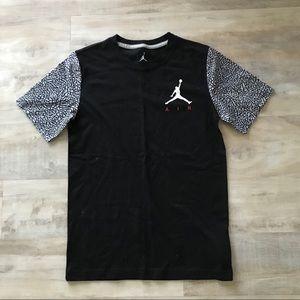 Boys Jordan air T-shirt size L